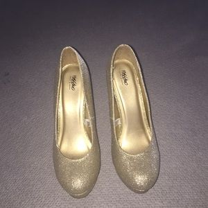 Mossimo glitter gold heels